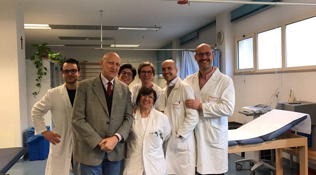 Il prof. Piero Fiore, 2° nella foto da sin, con lo staff della Medicina dello Sport del Policlinico